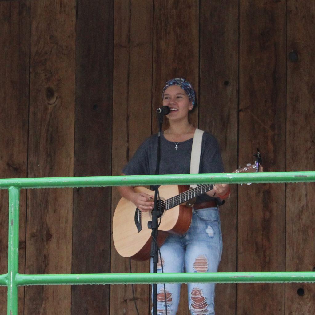 Jordan Vogt performs at the Wellesley Idol 2019 Finals