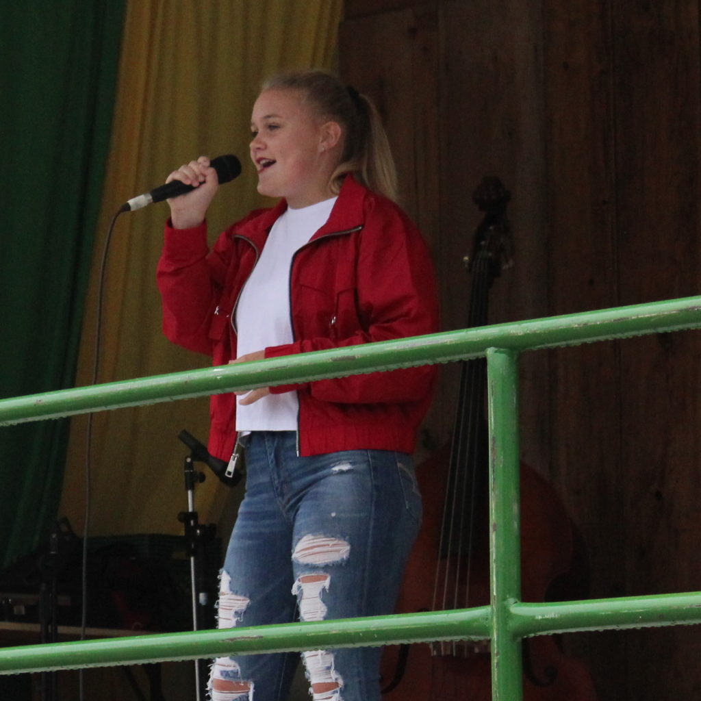 Jorja Smith sings at the Wellesley Idol 2019 Finals